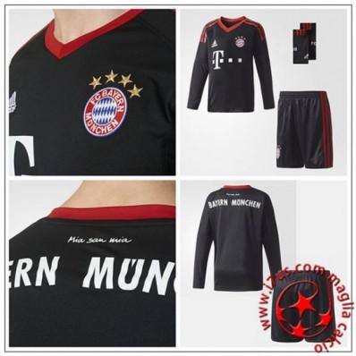 completo calcio FC Bayern München modello